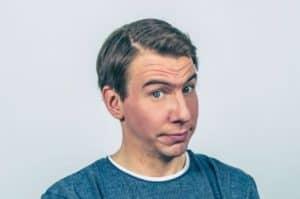 Näyttelijä Aku Hirviniemi on pudonnut jäihin