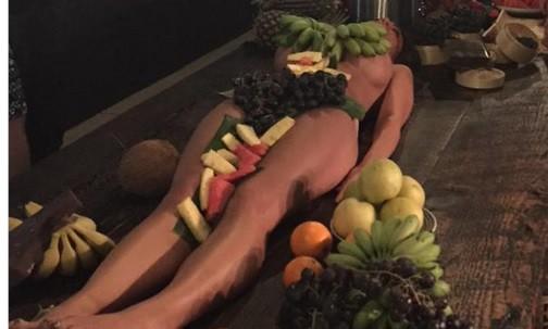 Naisten alaston asema-3182